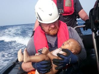 RT_German_Rescuer_Drowned_Baby_MEM_160531_4x3_992